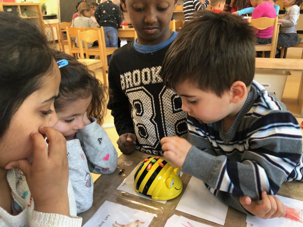 Les 05: De Bee-bot robot